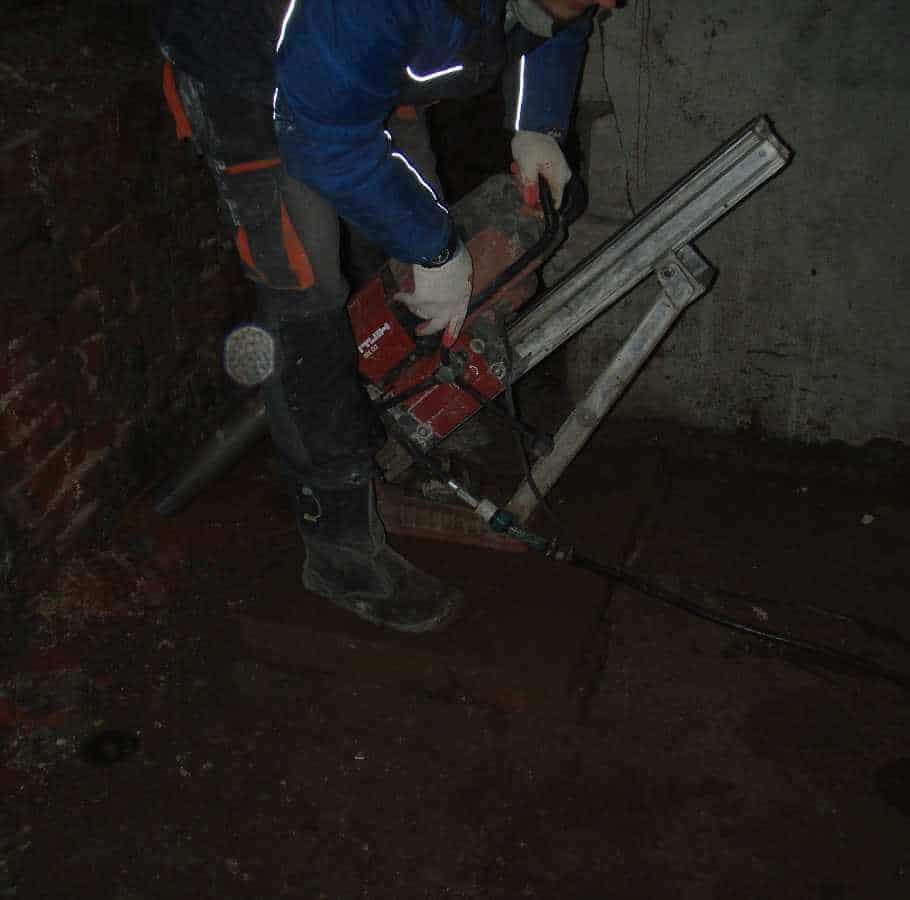 Действие технологии цементации фундамента и грунта под ним