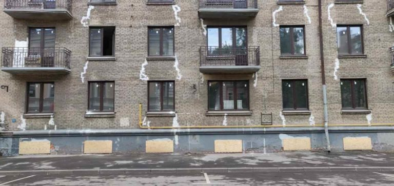 инъектирование трещин на фасаде
