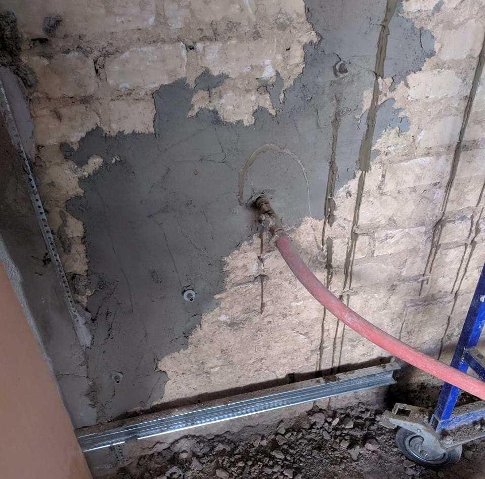 Инъектирование кирпичной кладки цементным составом